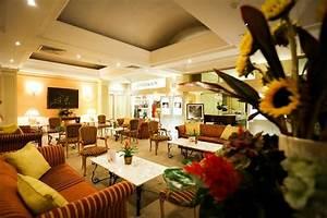 Orange Palace Spa : orange grove bistro picture of corinthia palace hotel spa san anton tripadvisor ~ Eleganceandgraceweddings.com Haus und Dekorationen