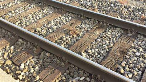 canapé liseuse bout de canapé quot traverse de chemin de fer quot et métal appeal