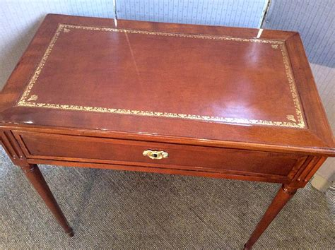 bureau henri 2 petit bureau louis xvi henri jacob desks
