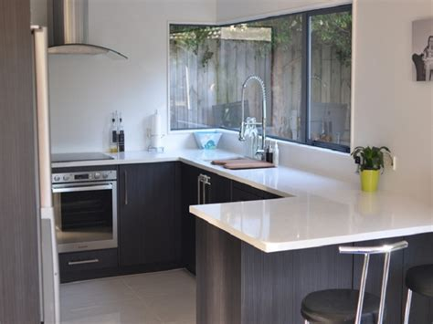 Design Ideas For Small Kitchen Spaces With Glass Windows