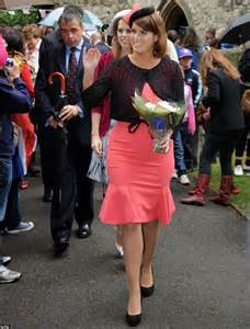princesses beatrice  eugenie pretty  pink
