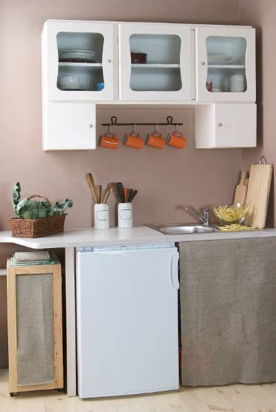 organizing a small kitchen ohmyapartment apartmentratings