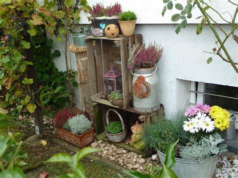 Herbstdeko Garten herbstdeko im garten bilder und fotos holzkisten