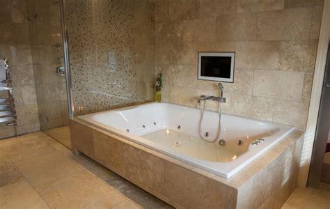 Large Bathroom Tubs by Big Bath Tub Wash All The In One Go Bathrooms