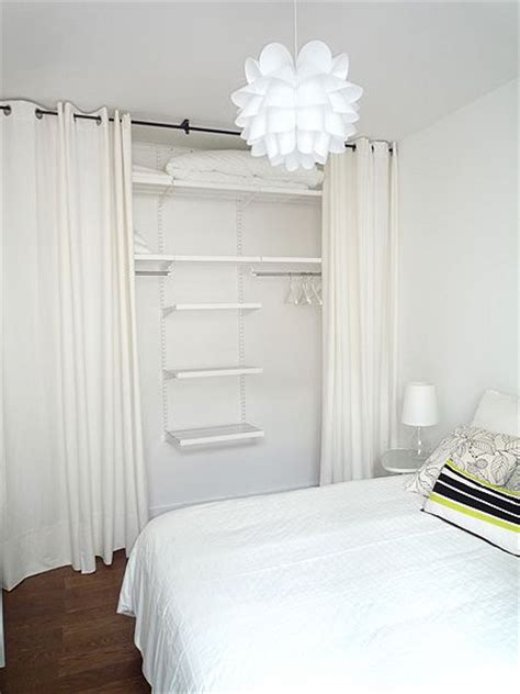 dressing ferme par un rideau 1000 id 233 es sur le th 232 me armoire penderie sur ikea armoire penderie placard et
