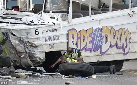 Duck Boat Accident Seattle by Seattle Duck Boat In Crash That Killed Five Students Didn
