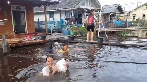 ngintip cewek lagi mandi di sungai kapuas youtube