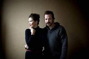 Maggie Gyllenhaal and Peter Sarsgaard.   JustThe2ofUs ...