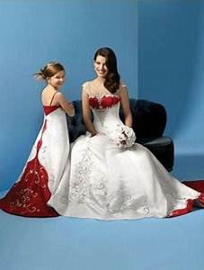 brides dress and matching miniature bridal dress With wedding dresses with matching flower girl dress