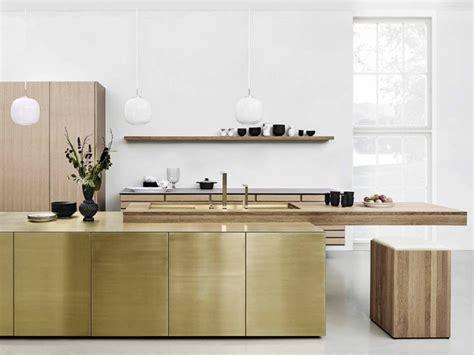 facade placard cuisine déco cuisine dorée 6 idées pour briller joli place