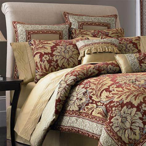 bedroom comfortable bed design  decorative  smooth