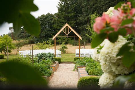 visit froggsong gardens during the vashon island weddings