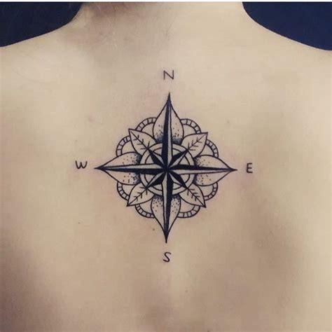 les  meilleures idees de la categorie tatouage boussole