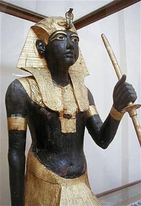 Nubiani: i faraoni dalla pelle scura, di Lawrence M.F ...