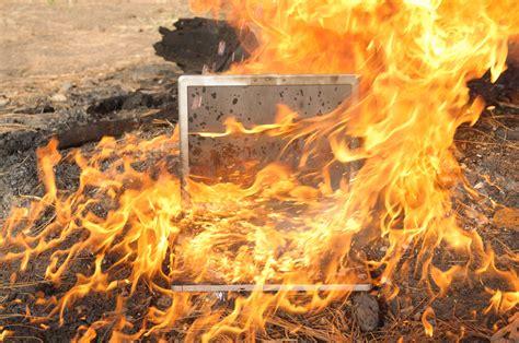 hp  compaq pc     fire hazard