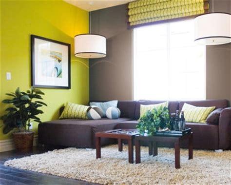 cuisine chocolat et vert anis quelle couleur de meubles avec un carrelage chocolat