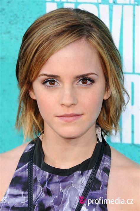 Emma Watson     hairstyle   easyHairStyler