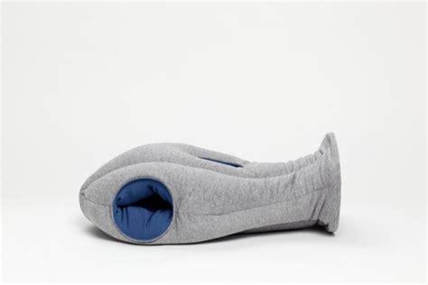 coussin sieste bureau ostrich pillow le coussin cagoule pour faire la sieste
