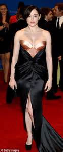 Rose McGowan adds a vampire-twist in a sultry black dress ...