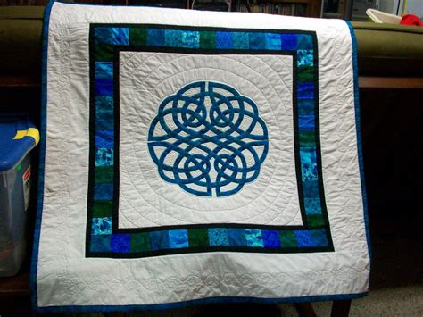 knot a quilt aoife celtic knot applique quilt crib throw wall hanging