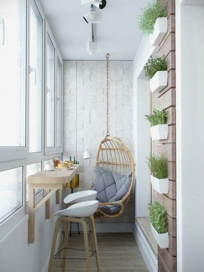 touches de bois dans  interieur blanc  gris indoor