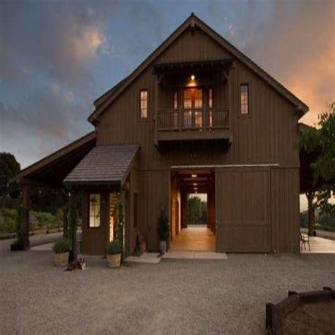 Barn apartment designs, barn garage with apartment pole