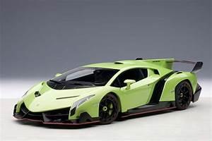 AUTOart Highly detailed die-cast model Green Lamborghini ...