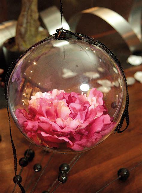 la boule geante translucide de decoration  cm noel