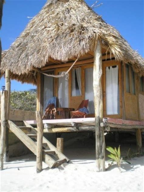 Small Tiki Hut by Best 25 Tropical Houses Ideas On Tropical
