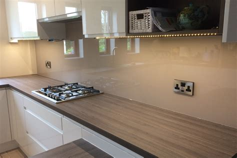 kitchen glass splashback finished  farrow ball dead salmon