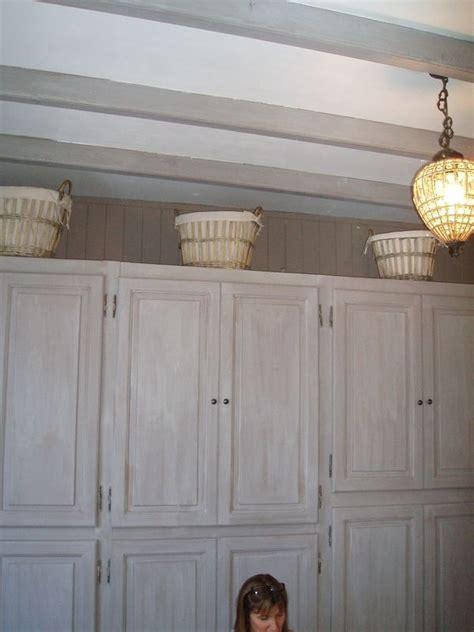 placard suspendu chambre placard marron fonce chambre chaios com