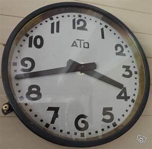 Grande Horloge Industrielle : 17 best ideas about horloge industrielle on pinterest d coration industrielle cuir vieilli ~ Teatrodelosmanantiales.com Idées de Décoration