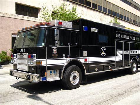 bureau du fbi file lapd swat truck 1 jpg wikimedia commons