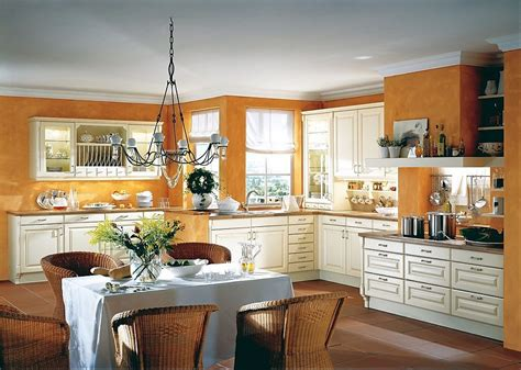 cocina rustica  chimenea  vitrina en vainilla