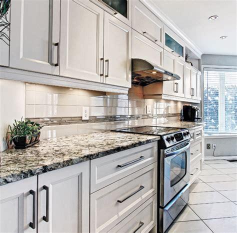 cuisine taille taille ilot central dans cuisine wraste com