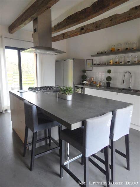 cuisine ancienne et moderne la cuisine familiale et bien pensée de krestell poutre apparente maisons anciennes et cuisine
