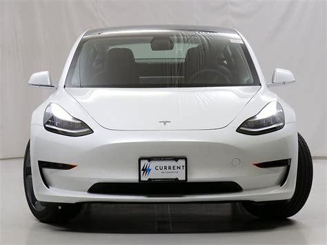 Get Current Wait Tesla 3 PNG