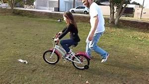 Aprendendo a andar de bicicleta - YouTube