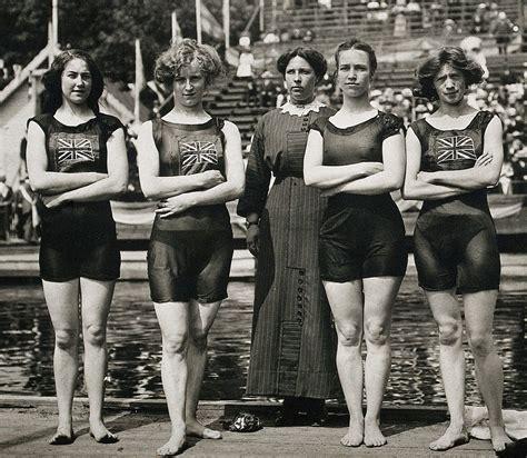 History Of Competitive Swimwear Wikipedia