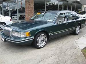 1993 Lincoln Town Car Signature For Sale In Thibodaux