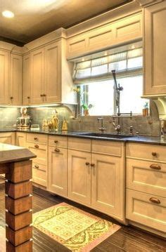 farmhouse kitchens designs 1000 images about gantry pulldown faucets on 3710