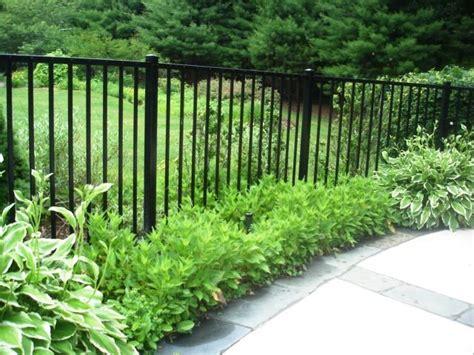 aluminum fencing    idea   plant border  front   fence fence landscaping