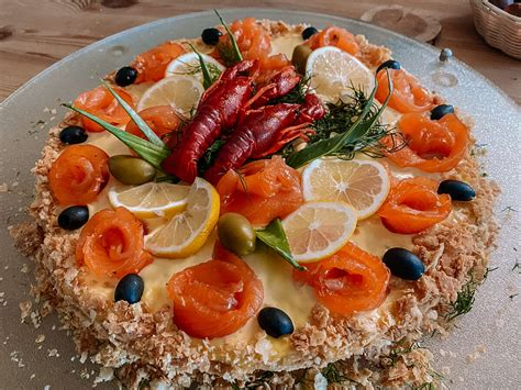 Torte ar lasi un garnelēm - Sāļās tortes/biskvīta ruletes ...