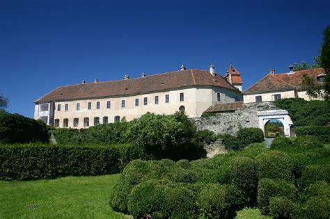 Bernstein  Burgenland  Burgen Und Schlösser  Kunst Und