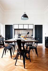 Chaise Moderne Avec Table Ancienne : une villa la fran aise frenchy fancy ~ Teatrodelosmanantiales.com Idées de Décoration