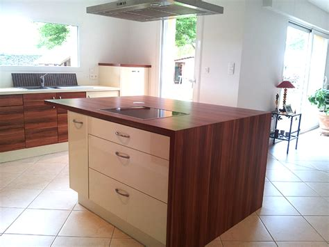 cr馥r un plan de travail cuisine meuble sous plan de travail maison design modanes com