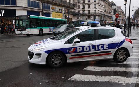 si鑒e de voiture gonesse il change les plaques de la voiture avant le contrôle de le parisien
