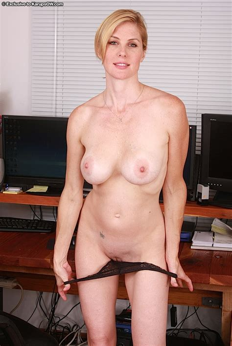 Cougar Strips Nude