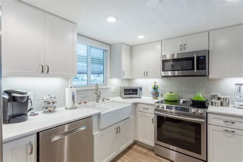Pensacola Beach House Kitchen Remodel by Cabinet Depot