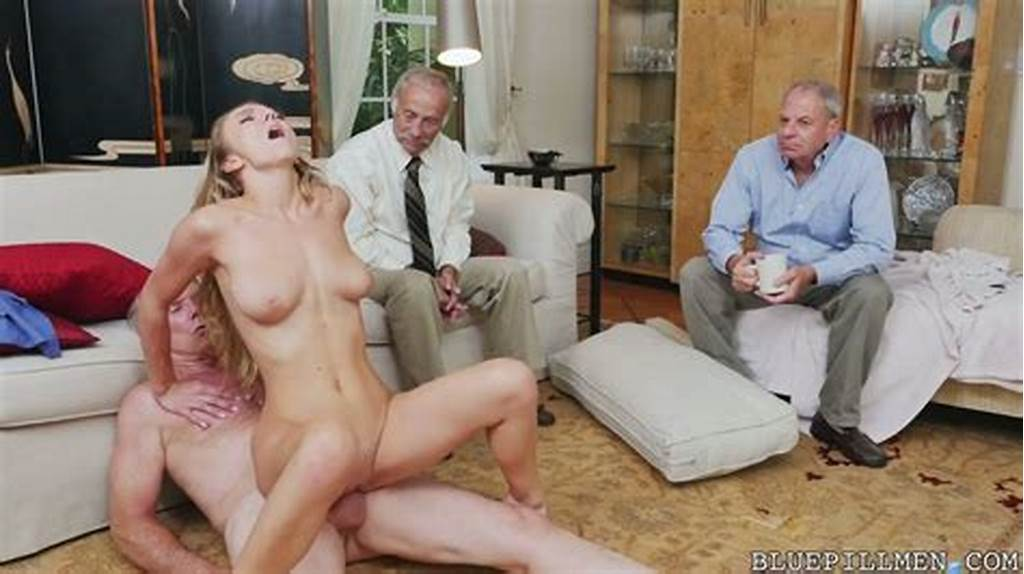 #Generous #Old #Men #Pay #Summer #College #Student #Molly #Mae #For